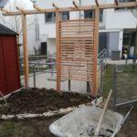 Holzpergola Sichtschutz Wohnungsgarten