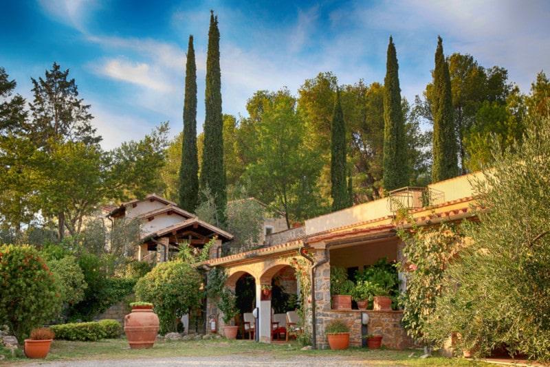 italienischer garten villa zypresse