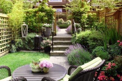 kleiner Garten Gartenweg Gartenpflanzen