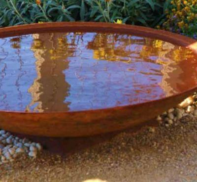 gartenbrunnen reflexion wasserspiel
